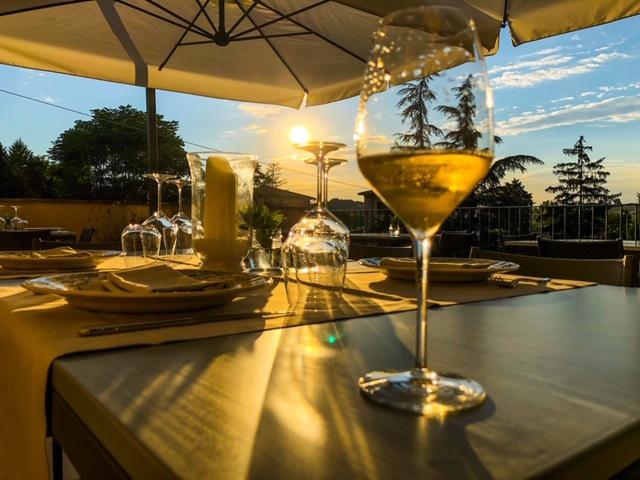 Aperitivo Monteriggioni Bollicine Cantinale