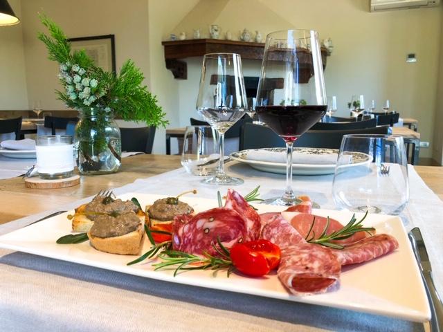 Cantinale Ristorante Monteriggioni Tagliere Salumi e Crostini