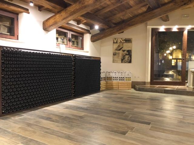 Enoteca Vendita Diretta Vino Wine Shop Fattoria Castello di Monteriggioni