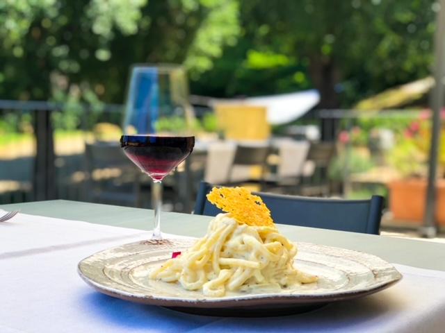 Cantinale Monteriggioni - Pici cacio e pepe e vino rosso